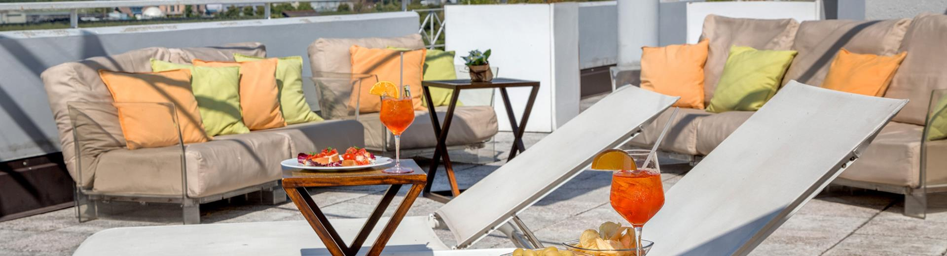 Relax in the wonderful panoramic terrace of 4-star BW Hotel Adige, just a few minutes distance from Trento city center: enjoy the peace and the beautiful landscape!