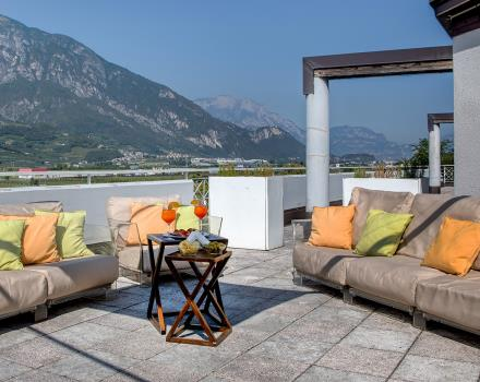 Let yourself be pampered by the BW Hotel Adige Trento 4 star, welcoming at the entrance.